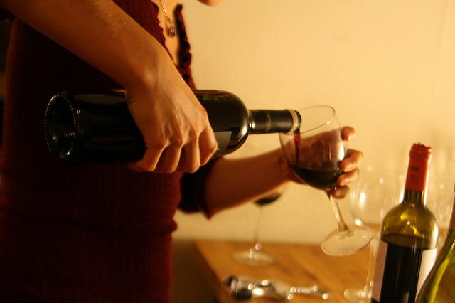 お酒に弱い人は注意!アルコールアレルギーの症状と6つの対処法