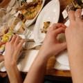 食べても食べてもお腹が空くのは病気の兆候?原因と治す方法8つ