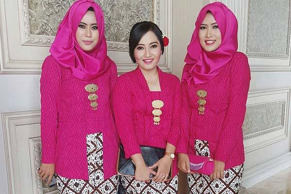 lifestyle-people.com - Kebaya Kutu Baru Warna Merah Fanta
