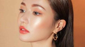 Fungsi Highlighter Makeup  yang Perlu Kamu Tahu