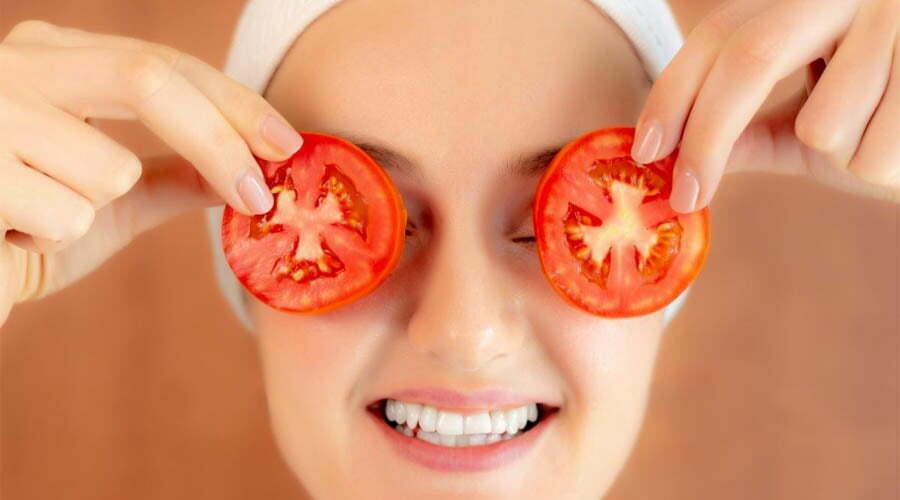 Atasi Jerawat dengan Tomat