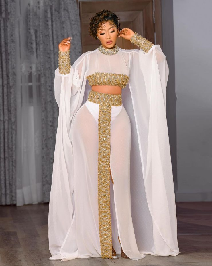 Mercy Eke- Rocking Jaw-Dropping Outfit