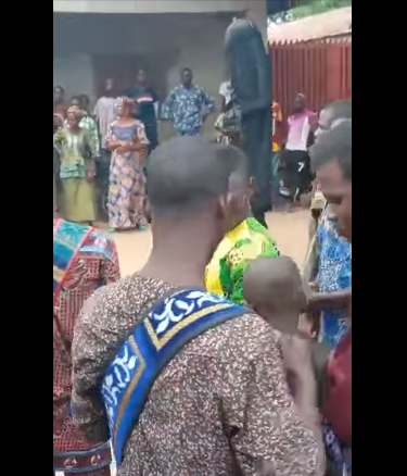 Masquerade failed by his ?spiritual powers? as bullets penetrate his body during festival in Oyo community (video)