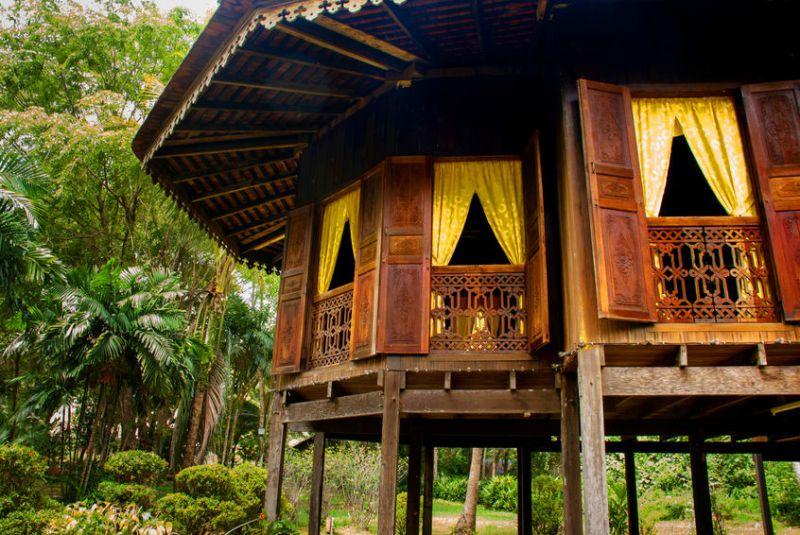 rumah-kampung-malaysia-tradisional