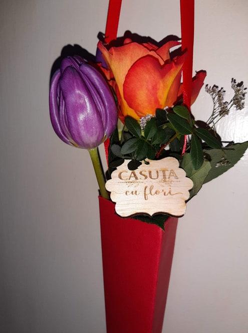 Căsuța cu flori