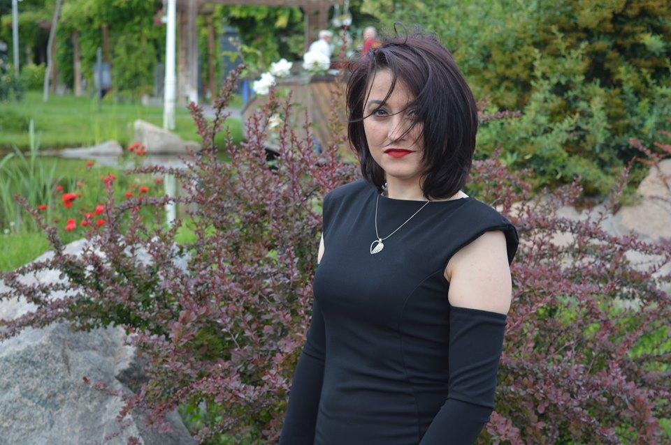 rochie neagră Femme Luxe
