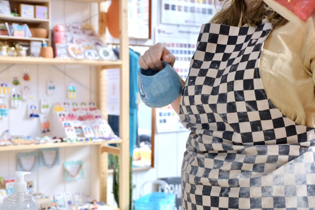 Pottery classes Bristol: book your ceramics taster session at Trylla with Yuup