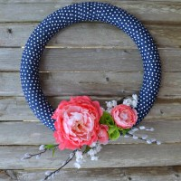 13 Simple and Gorgeous Spring Wreaths You Need to DIY