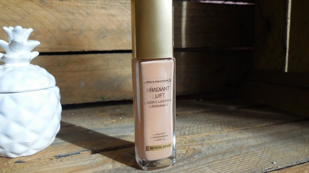 Max Factor Radiant Lift Foundation