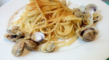 Idee menù Vigilia di Natale: spaghetti vongole e bottarga