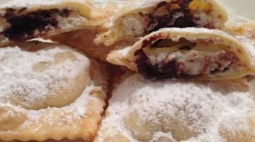 Ravioli fritti con ricotta e cioccolato: dolci tipici del Carnevale