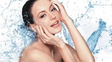 Pelle perfetta: i consigli per idratarla anche dall'interno
