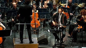 """Estate Fiesolana 2018: Neri Marcorè in """"Come una specie di sorriso"""" omaggio a Faber"""