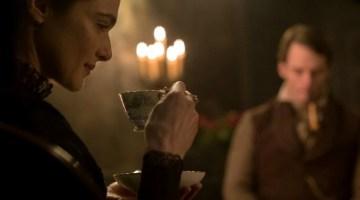 Rachel: desiderio e sospetto nel film diretto da Roger Michell (recensione)