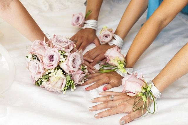 bouquet-da-polso-tendenze-sposa