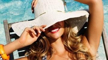 Come proteggere i capelli d'estate: la formula per averli sani e belli