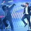 """Sanremo 2017: Gabbani e la """"scimmia nuda"""" fanno ballare tutta Italia"""