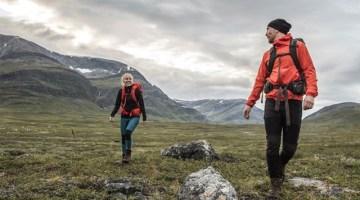 Come vestirsi per escursione di trekking: ecco l'abbigliamento giusto