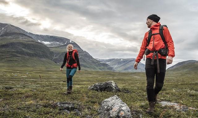 Come vestirsi per escursione di trekking