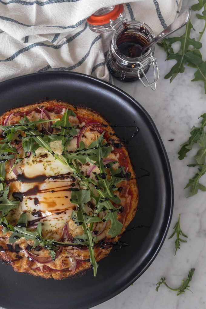 Very easy low carb cauliflower crust pizza recipe