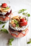 Healty Berry chia seed parfait