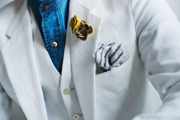 リゾートウェディングに合わせたリネンのスーツとデニムシャツ|lifestyleorder