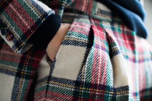 腰回りにゆとりを持たしたツータックのレディースオーダースーツ|lifestyleorder