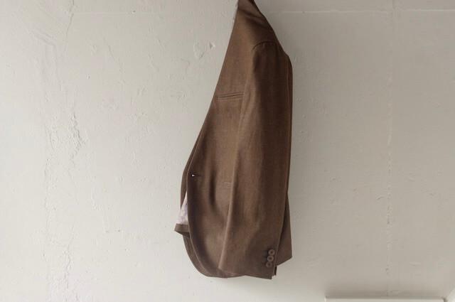 ノーカラースーツ|デニム素材ブラウン