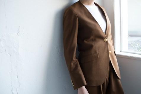 ノーカラースーツ|レディース茶色ウール