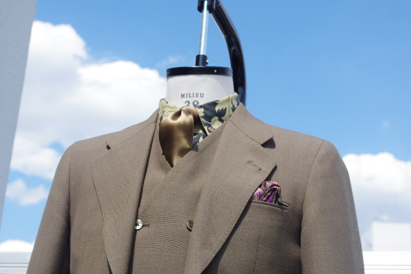 フレスコ,ブラウンスリーピーススーツ