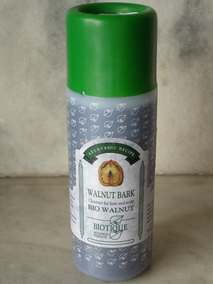 Review: Biotique Walnut Bark Shampoo