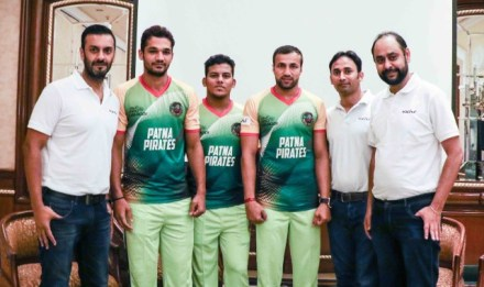 Patna Pirates and Volini Team