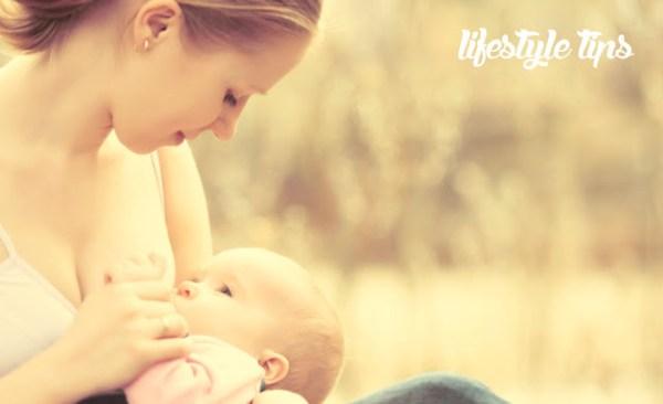 नवजात शिशु को स्तनपान