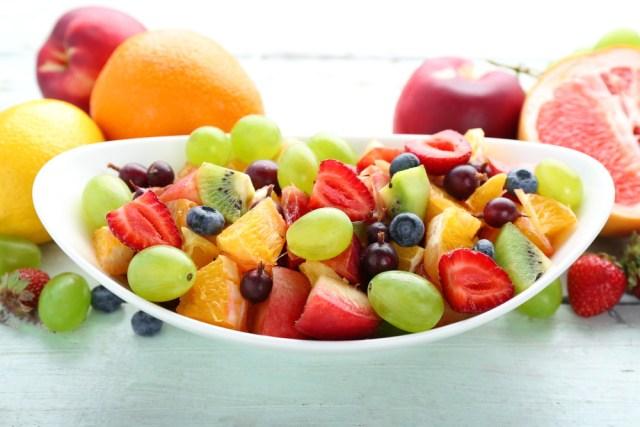 Healthy fruit salad फलों का सेवन