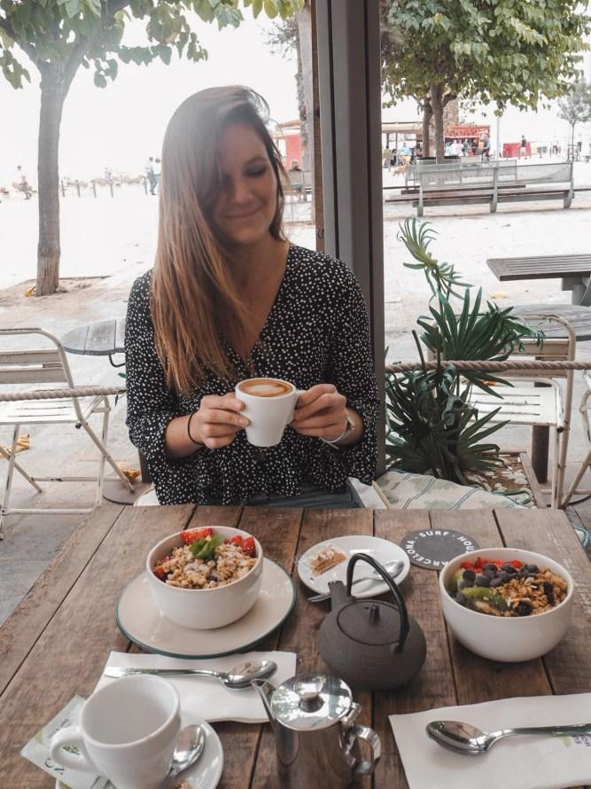 The Best Vegan-Friendly Cafes & Restaurants In Barcelona | lifestyletraveler.co | IG: @lifestyletraveler.co