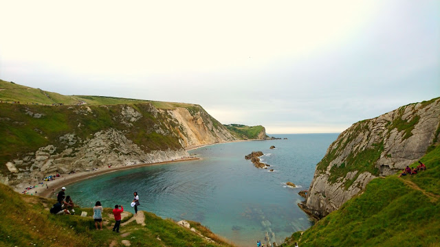 Lulworth-Cove-Dorset-Visiting-Durdle-Door