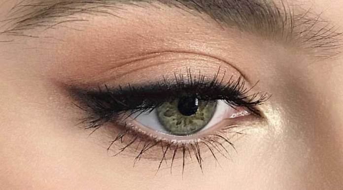 How to Smudge Eyeliner for a Natural Look - Lifetime Glam