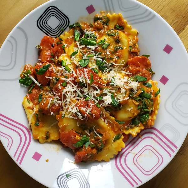 Simple and Easy Ravioli With Spinach