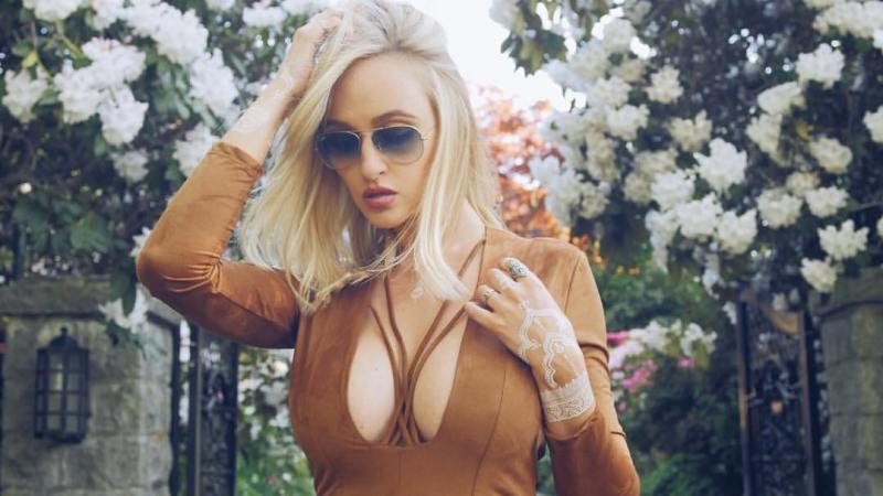 Alyssa Barbara 18