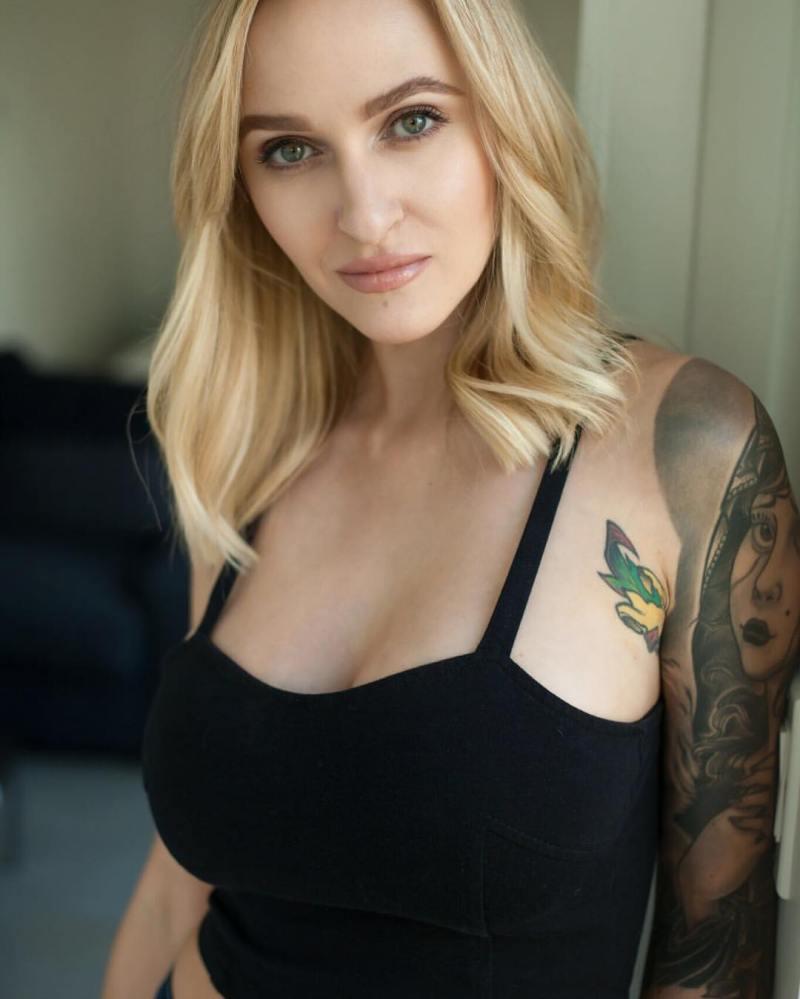 Alyssa Barbara 3