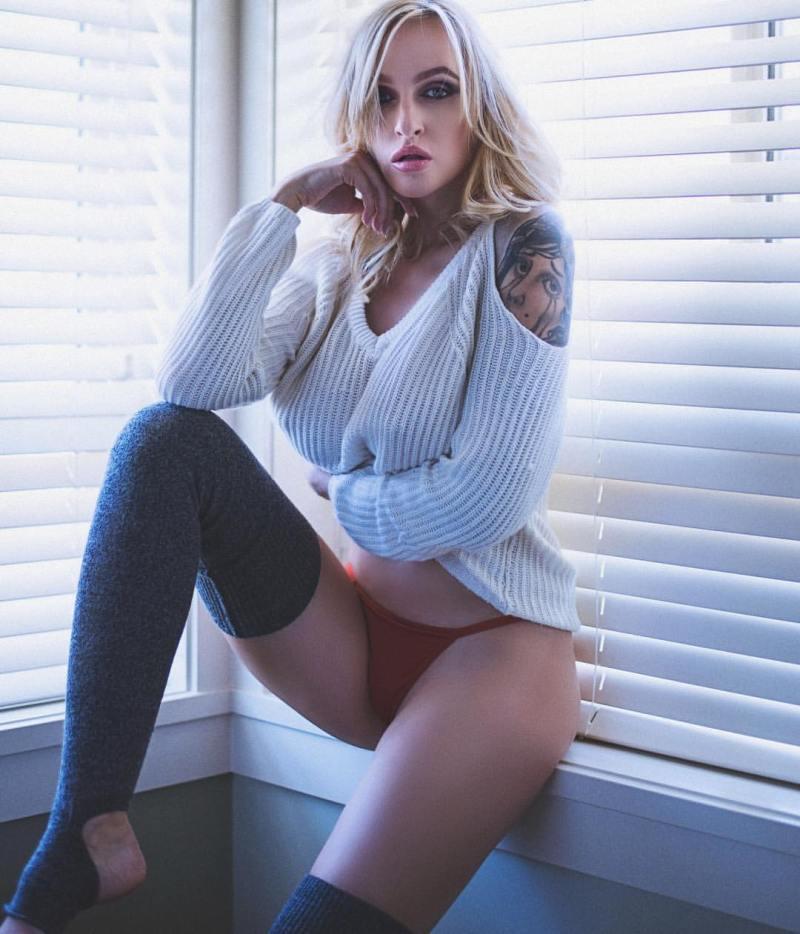 Alyssa Barbara 8