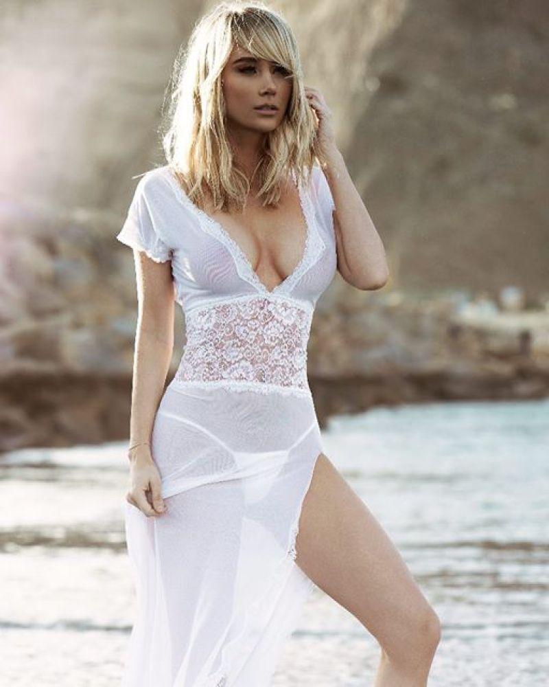 Sara Underwood 29