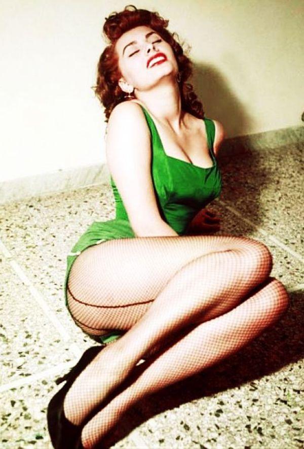 Sexy Sophia Loren 25