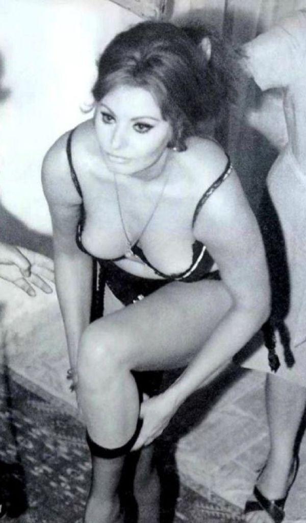 Sexy Sophia Loren 30