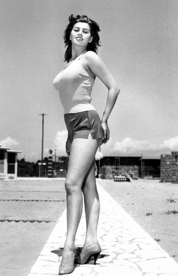 Sexy Sophia Loren 33