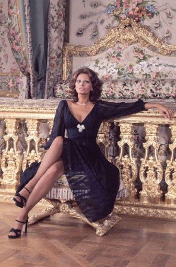 Sexy Sophia Loren 34