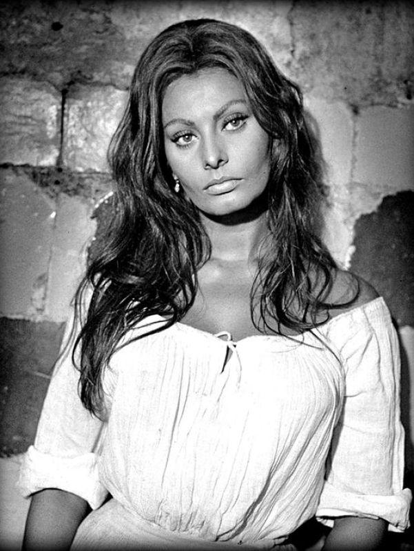 Sexy Sophia Loren 7