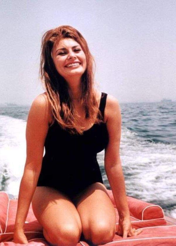 Sexy Sophia Loren 89