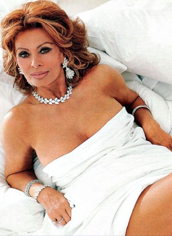 Sexy Sophia Loren 98