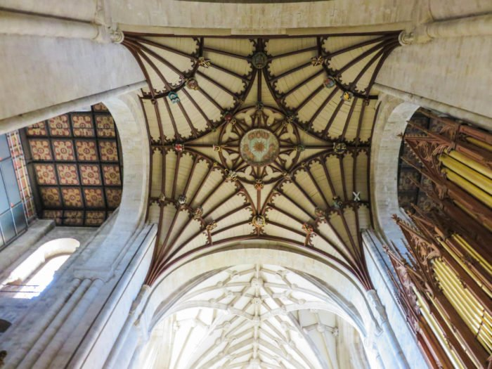 winchester cathedral ceiling